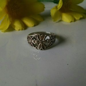 925  Stunning Filigree Cut Out Ring 7